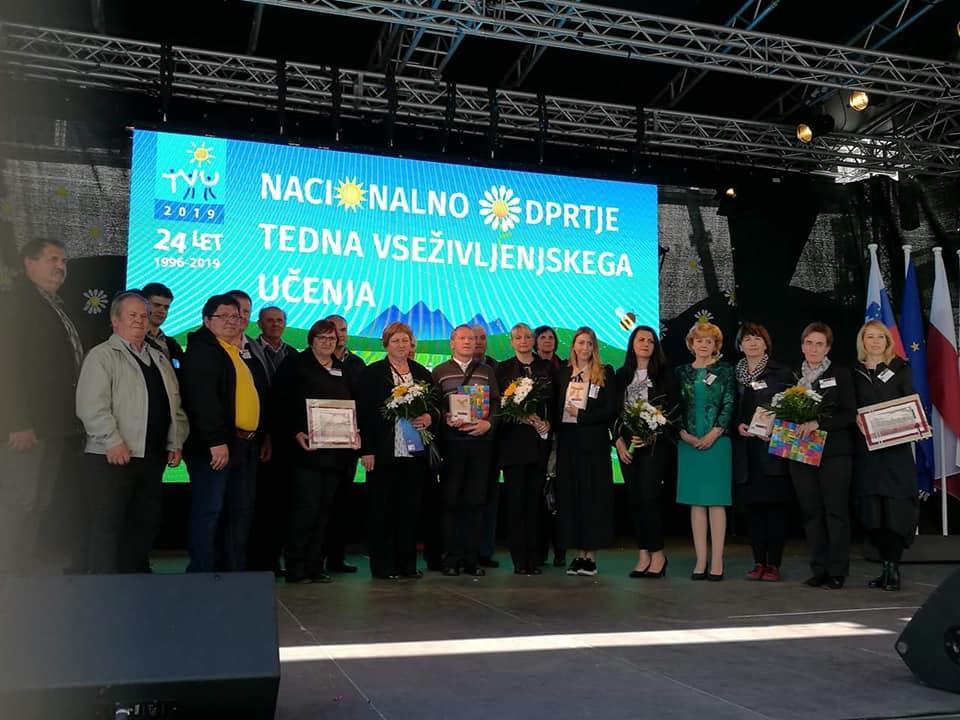 3 - Knjižnica prejemnica Priznanja za promocijo učenja in znanja odraslih Andragoškega centra Slovenije