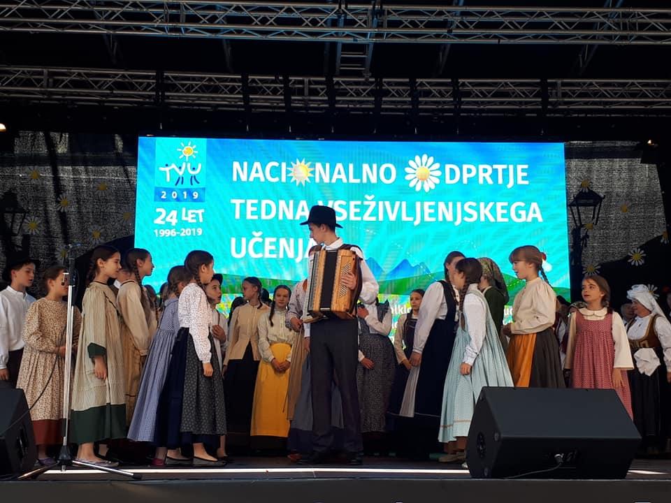 9 - Knjižnica prejemnica Priznanja za promocijo učenja in znanja odraslih Andragoškega centra Slovenije