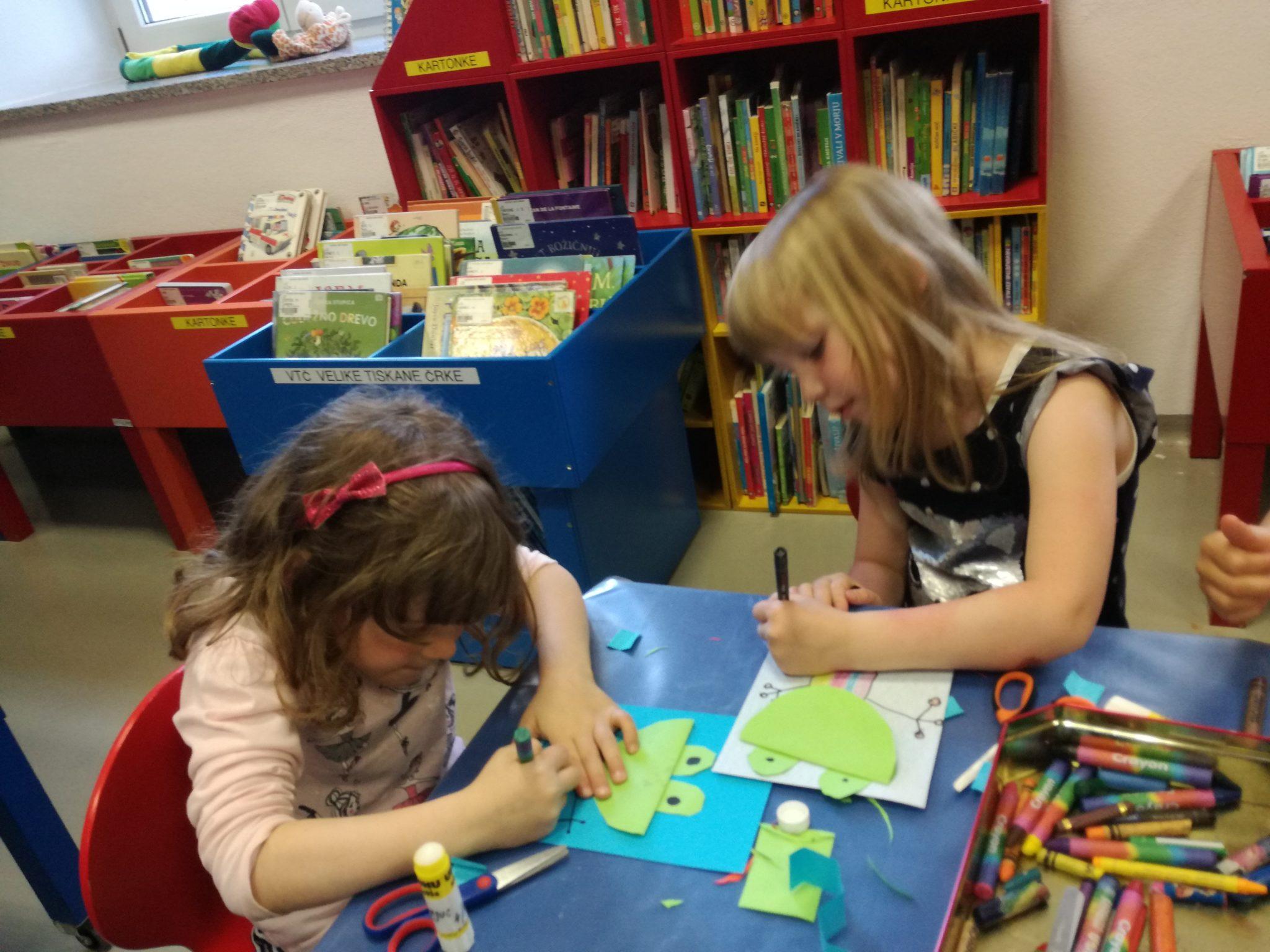 IMG 20190604 175922 1 - Pravljična ura in ustvarjalna delavnica za otroke od 4. leta dalje – Cerknica