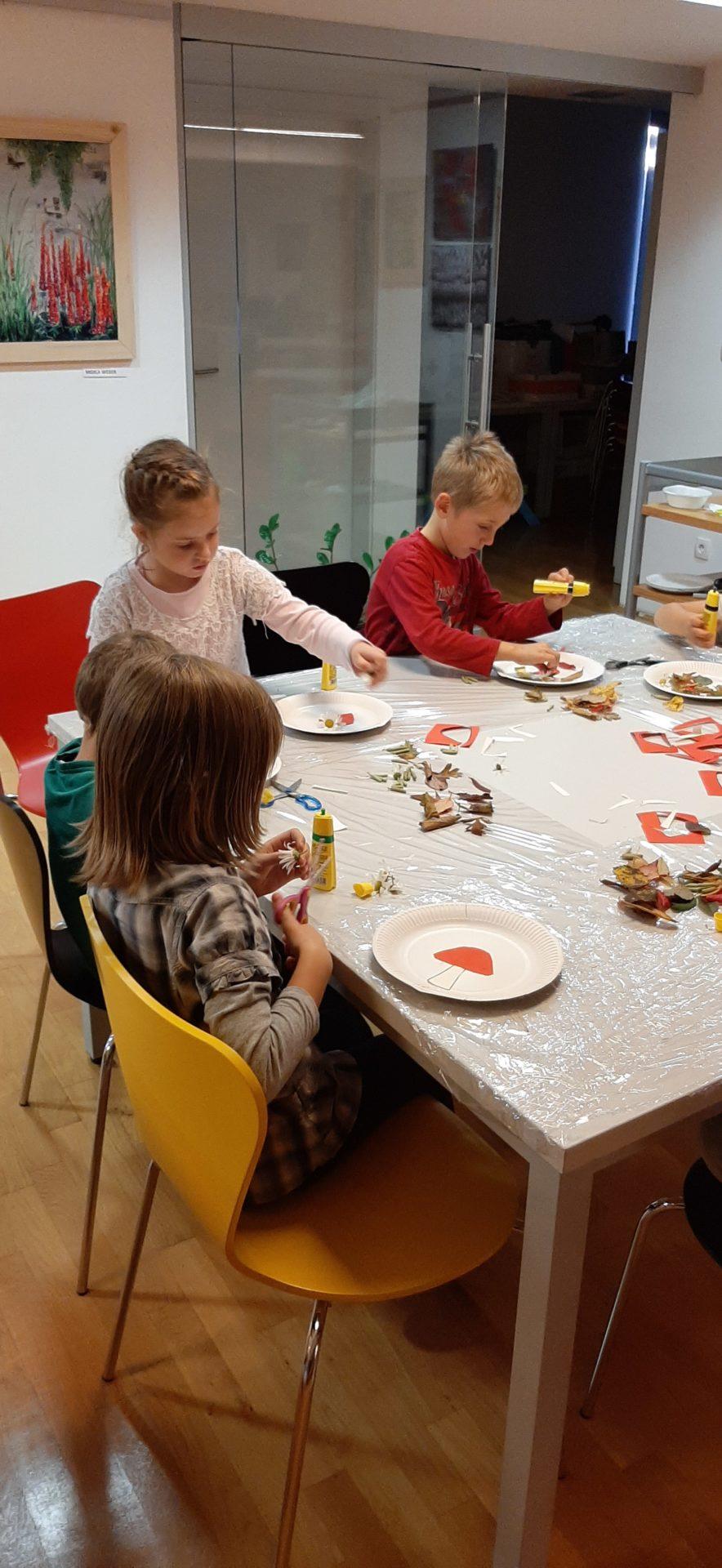 20191022 174252 - Pravljična urica z ustvarjalno delavnico za otroke od 4. leta dalje – Rakek