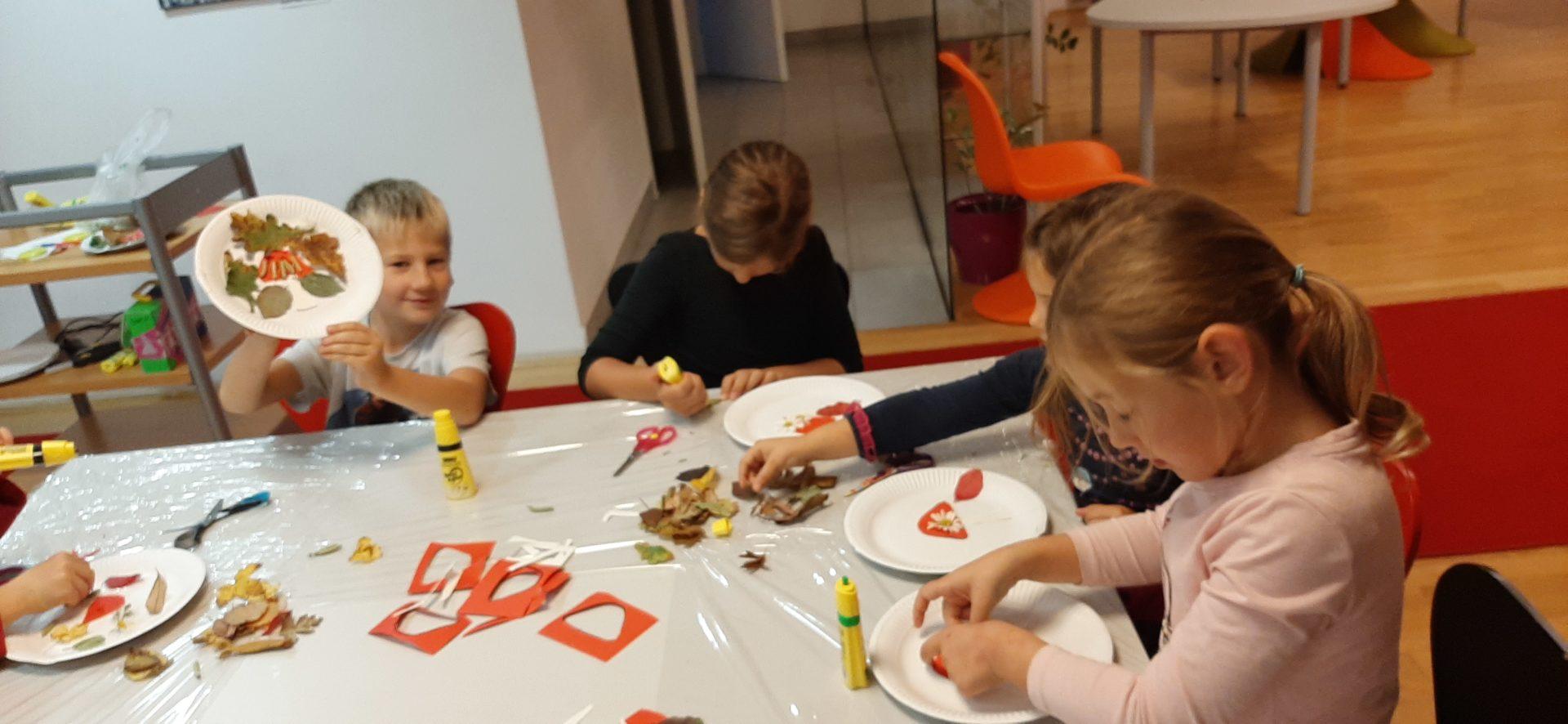 20191022 174304 - Pravljična urica z ustvarjalno delavnico za otroke od 4. leta dalje – Rakek