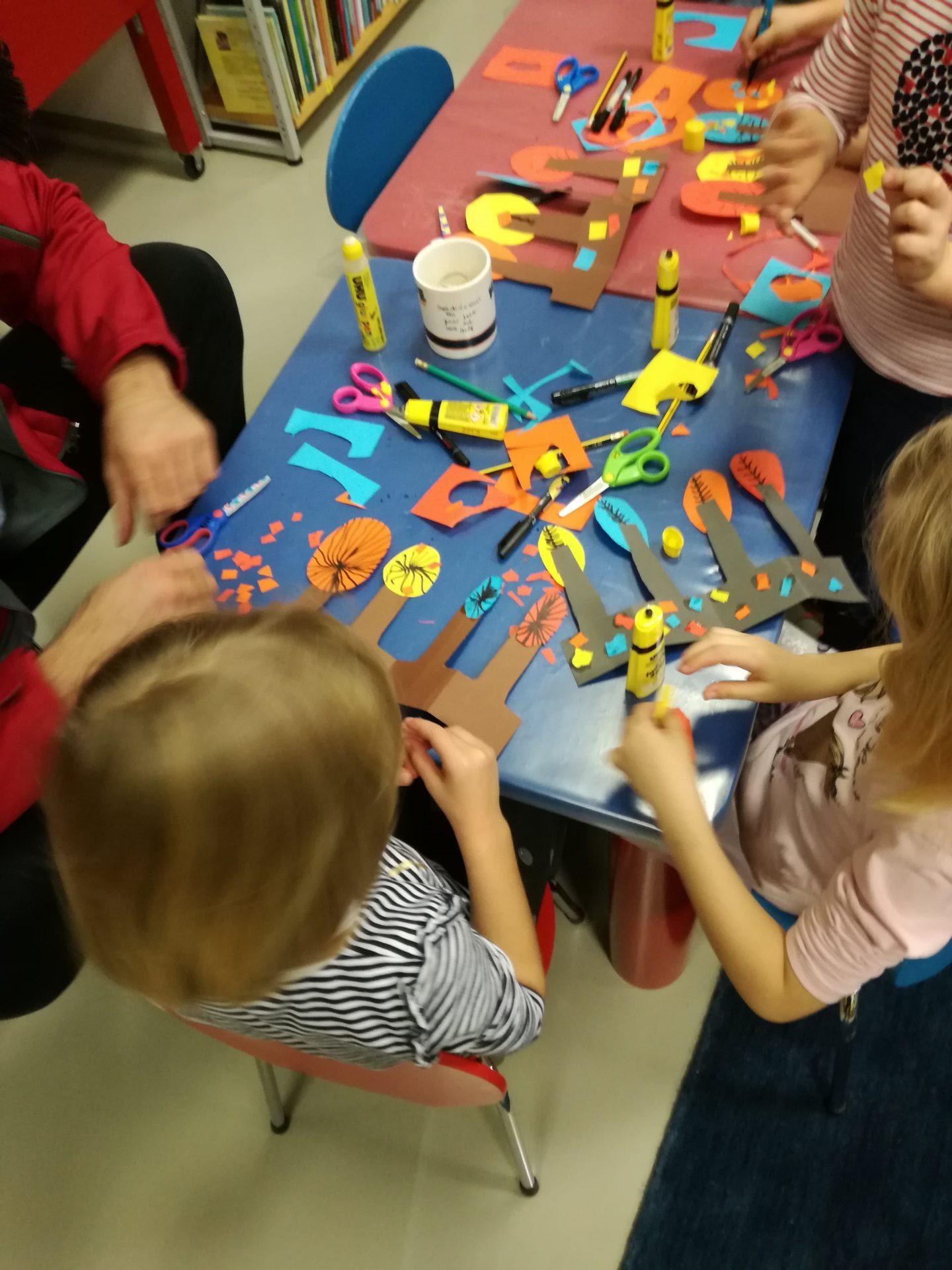 IMG 20191122 181231 - Pravljična urica z ustvarjalno delavnico za otroke od 4. leta dalje