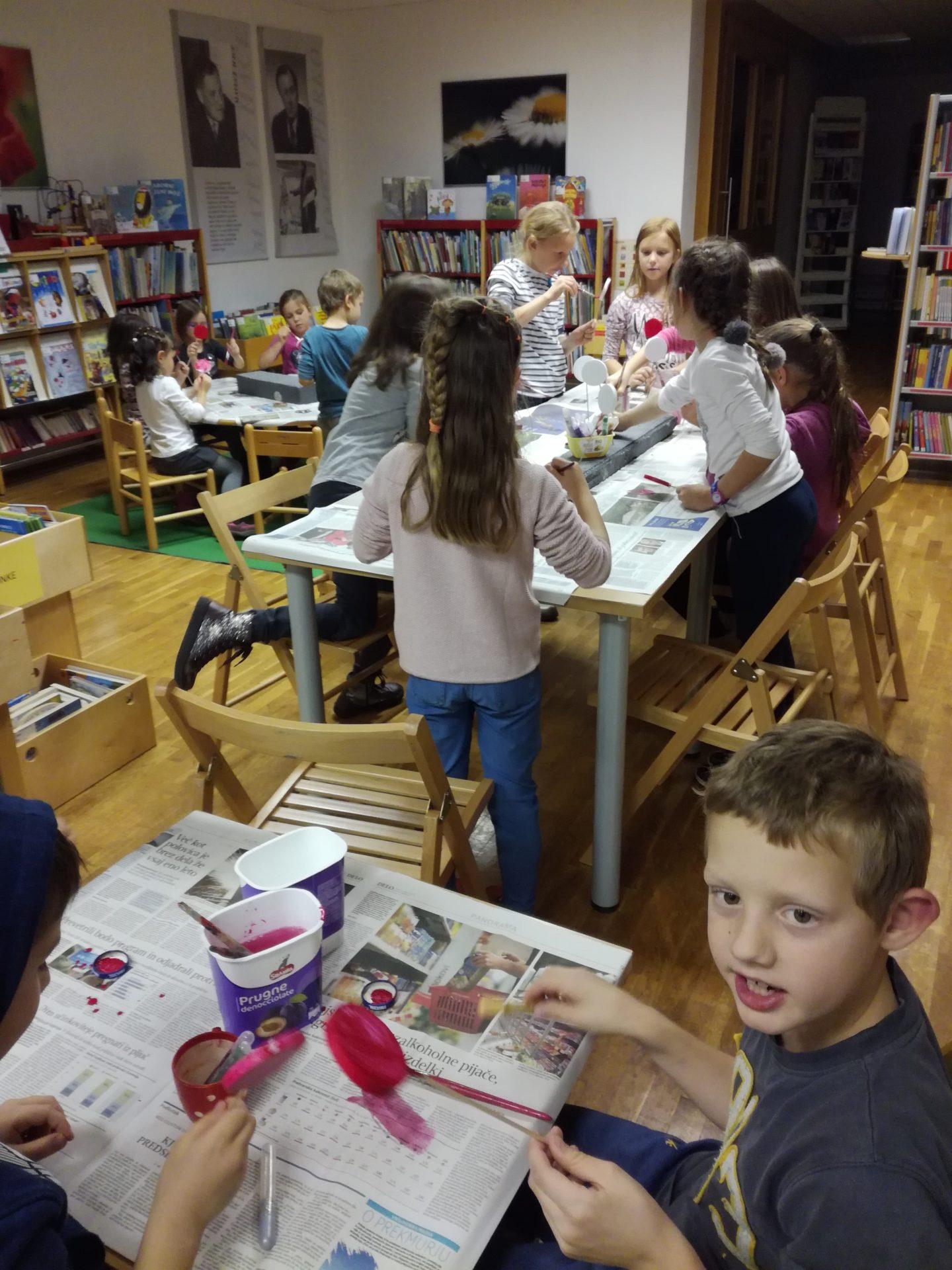 IMG 20191209 184436 1 - Pravljična urica in ustvarjalna delavnica za otroke od 4. leta dalje