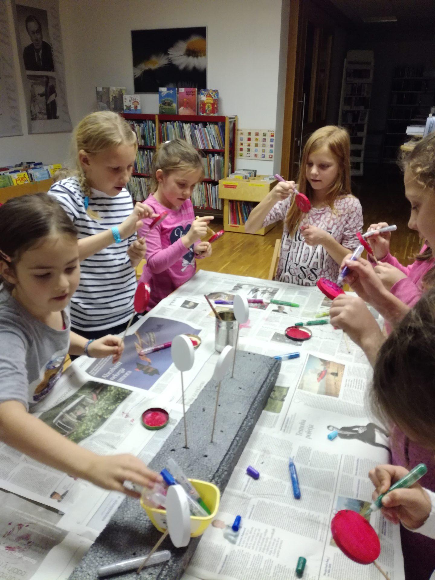 IMG 20191209 190130 - Pravljična urica in ustvarjalna delavnica za otroke od 4. leta dalje