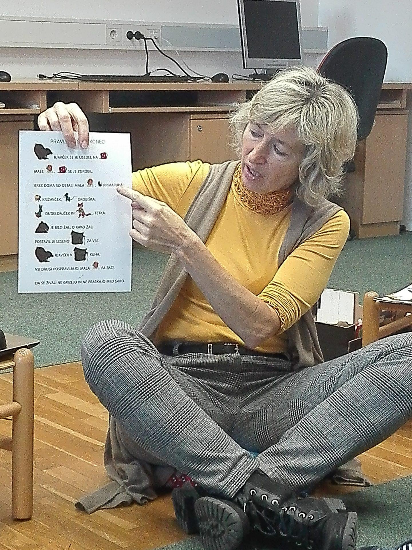 IMG 20191203 092436 - Obisk Vijoličnih polhkov v knjižnici v Starem trgu