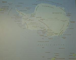 DSC01241 resize kopija 300x236 - Peter Hribar: Antarktika - predavanje