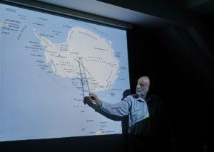 DSC01254 resize kopija 300x214 - Peter Hribar: Antarktika - predavanje