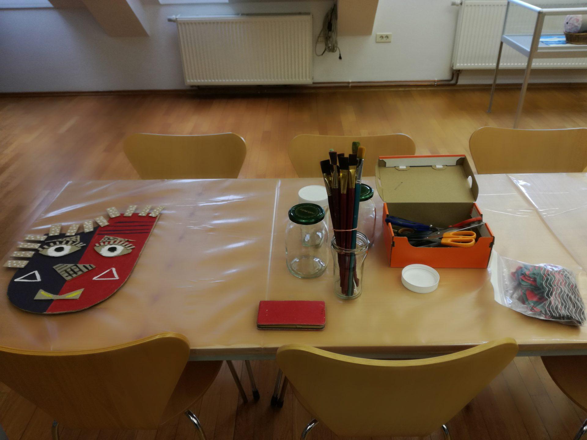 IMG 20200217 145539 - Počitniški tečaj izdelovanja mask v knjižnici
