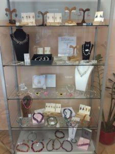 IMG 20200908 084443 225x300 - Tina Sterle - iz mojega srca za tvojega - razstava unikatnega nakita iz kvačkane in pletene žice