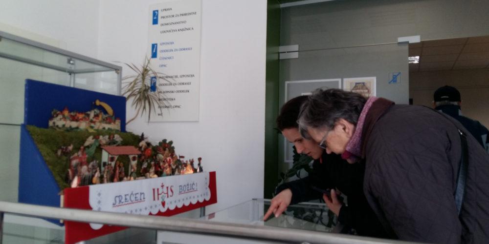 Stanovalci iz DEOS-a na ogledu jaslic
