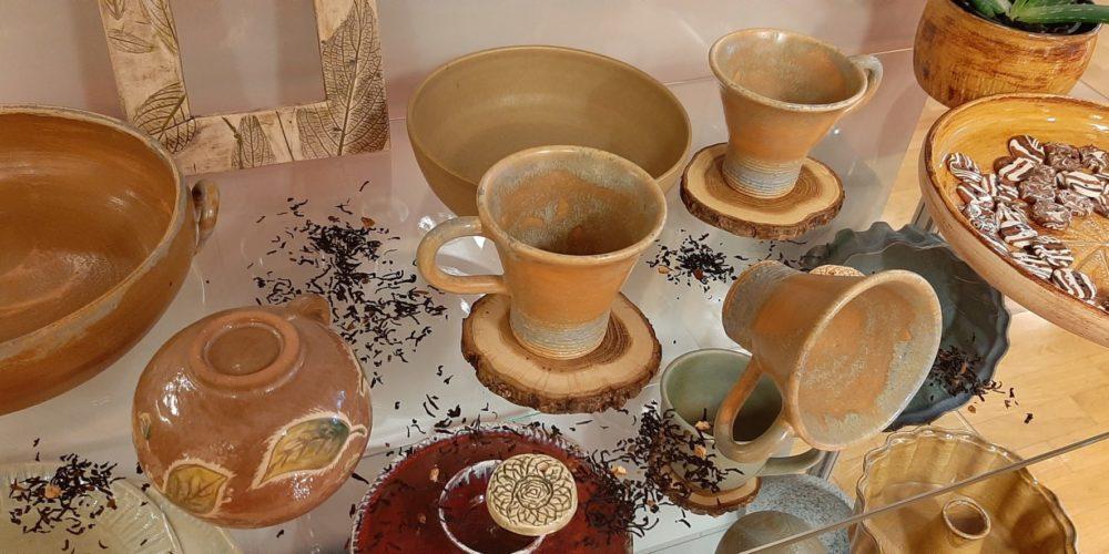 Meri Lu pot – Marjeta Lužnik – razstava unikatne uporabne keramike