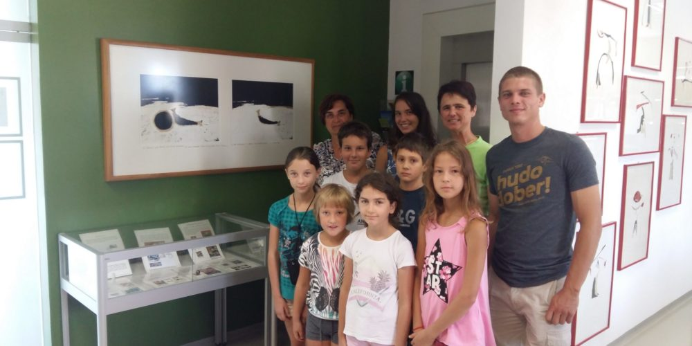 Mladi iz PGD Šinkov Turn iz Vodic na ogledu razstave
