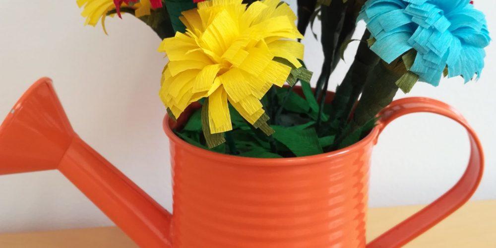 Razstava cvetja iz krep papirja