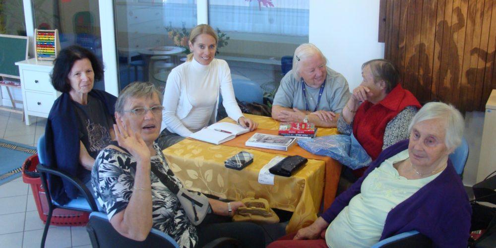 Bralne urice v Centru starejših Cerknica