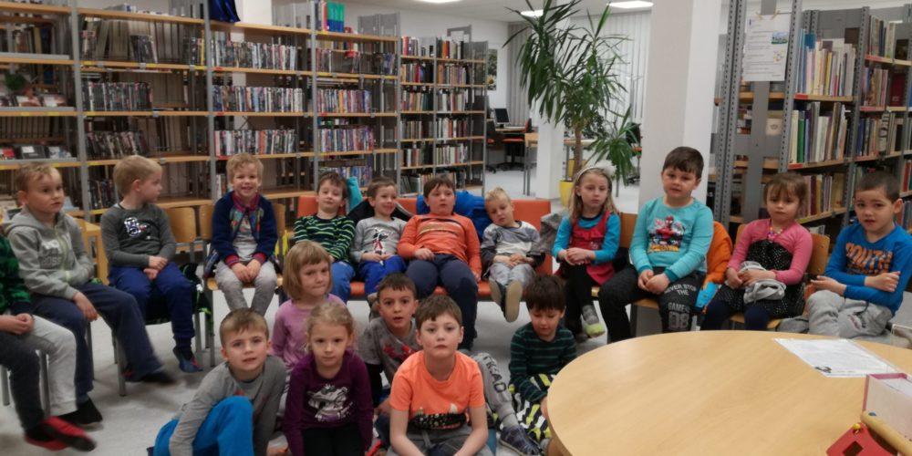 Murni v knjižnici