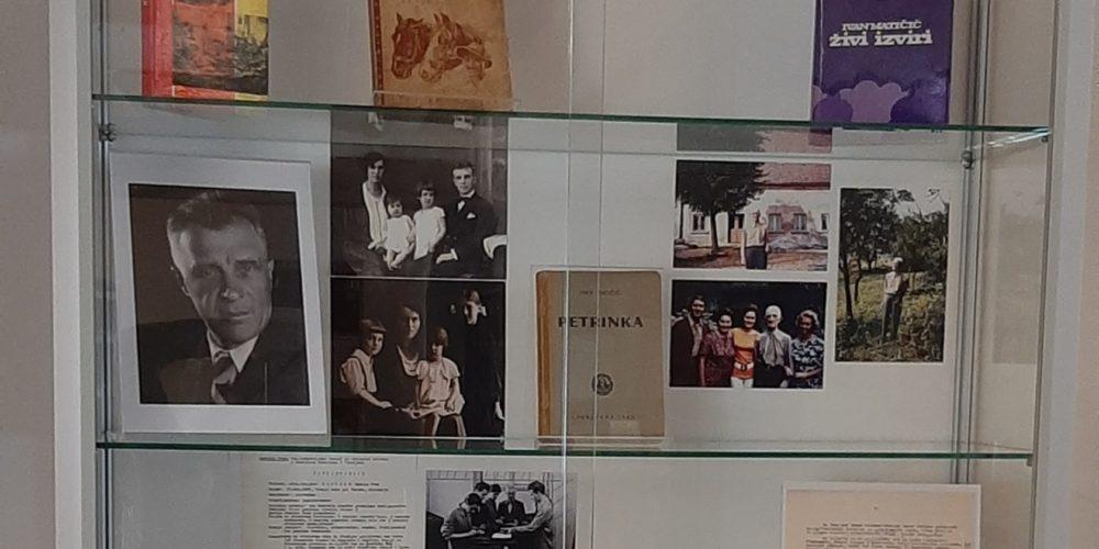 Desetletje rakovške knjižnice