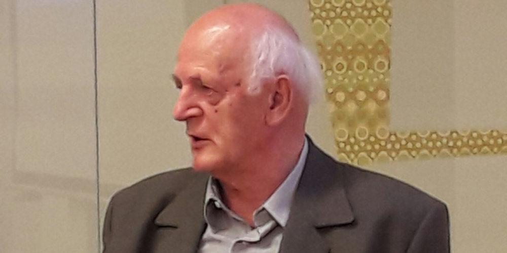 Franc Perko z novo knjigo o pogozdovanju krasa