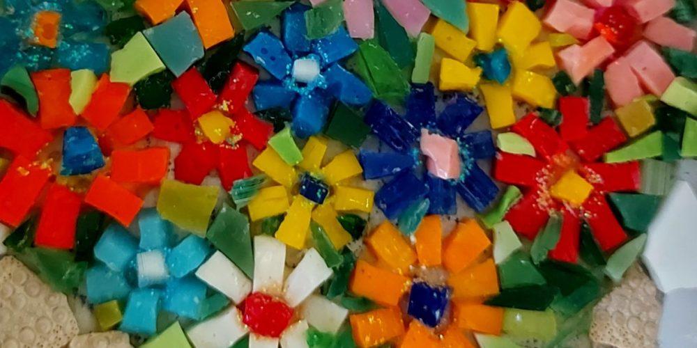 Mini mozaiki – razstavljajo člani mozaične sekcije KD Rak Rakek