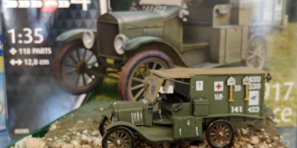 """""""Mali modeli vojaških vozil"""" sedmošolca Matica Kočevarja"""