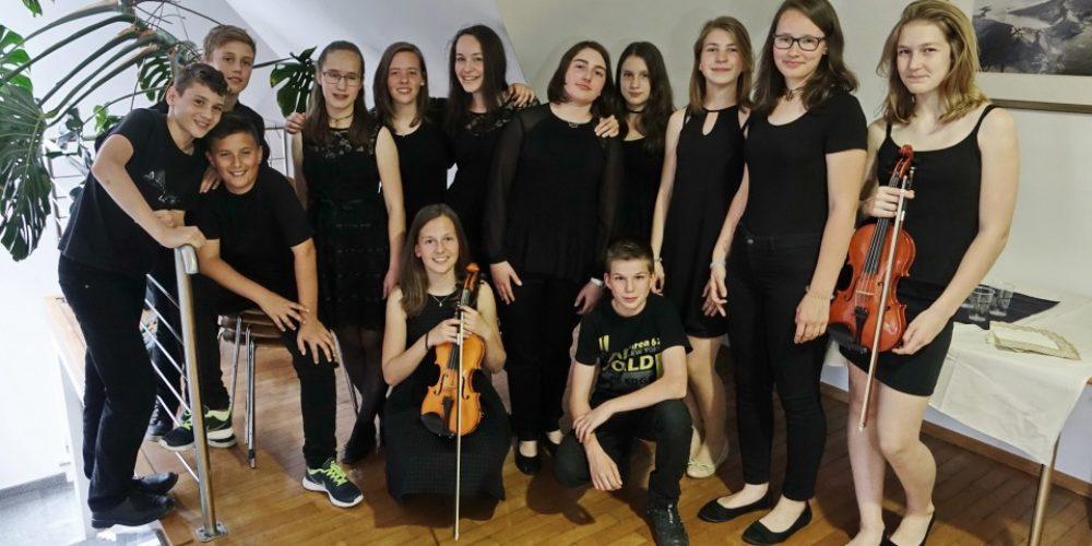 Učenci so se Jožeta Udoviča spomnili z recitalom Prečuden cvet