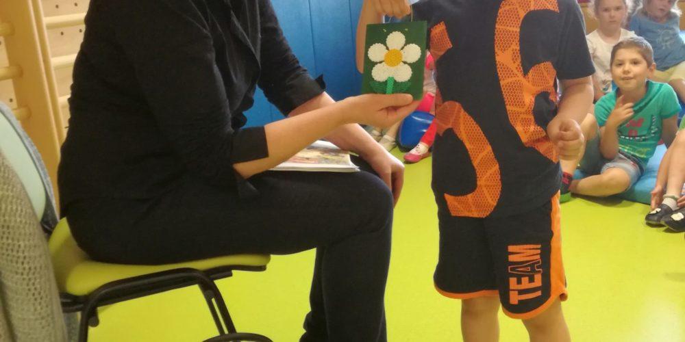 Palček Bralček je z otroki bral tudi v starejših vrtčevskih skupinah
